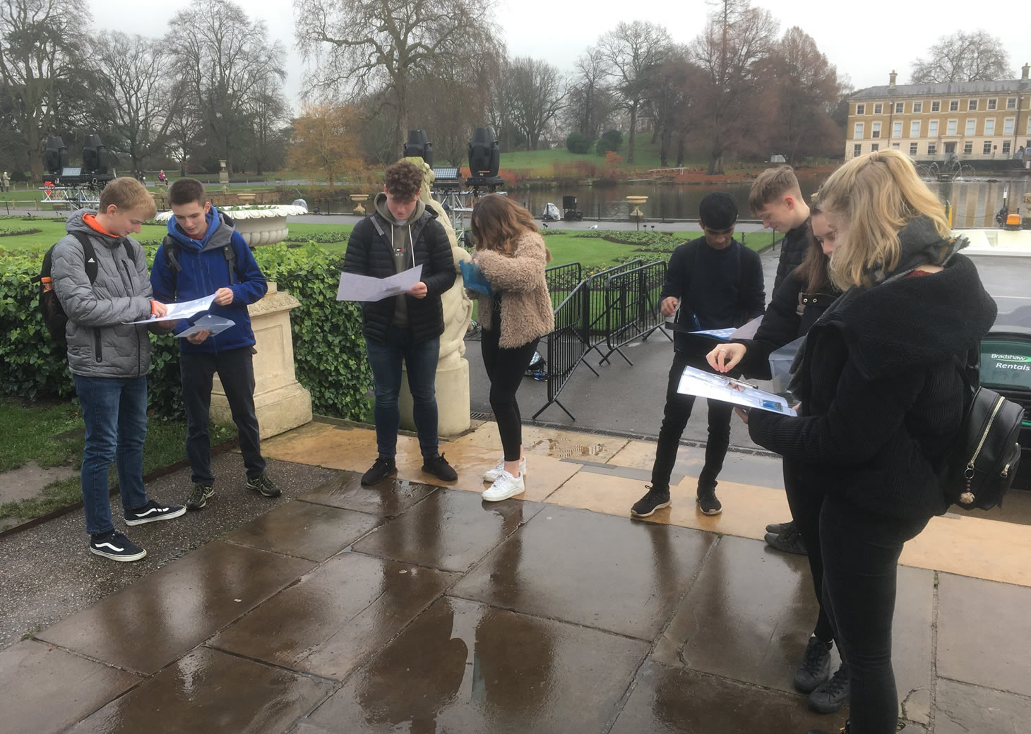 Year 12 students at Kew Gardens